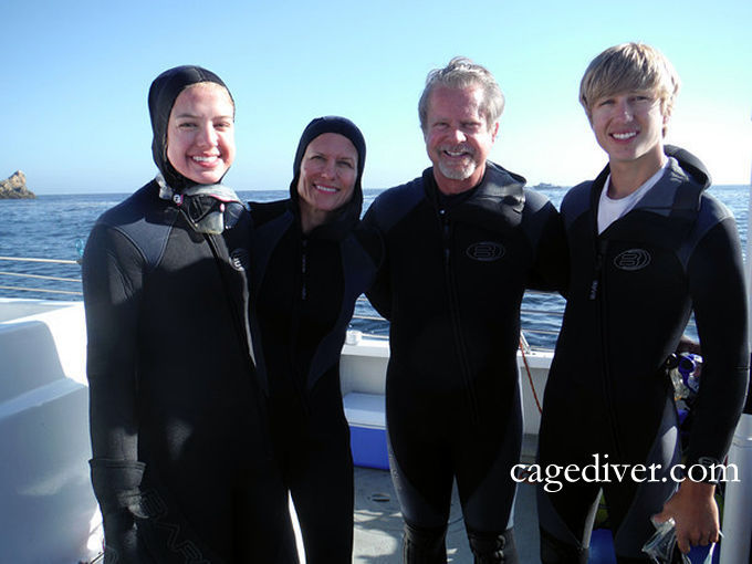 Sharkdiving in the Farallons